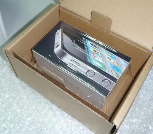 Коробка с купленным iphone